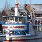 Santa-Cruise-Boat